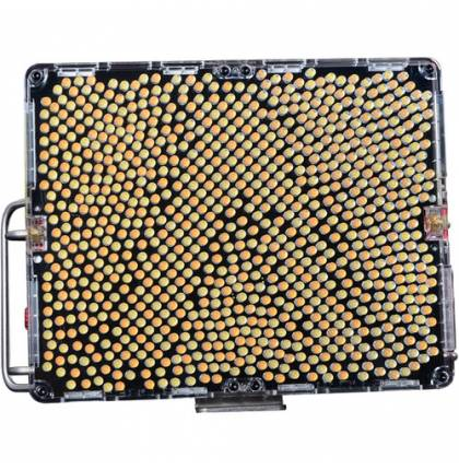 Aputure Amaran Tri-8c Bi-Color (V-Mount Battery Plate)