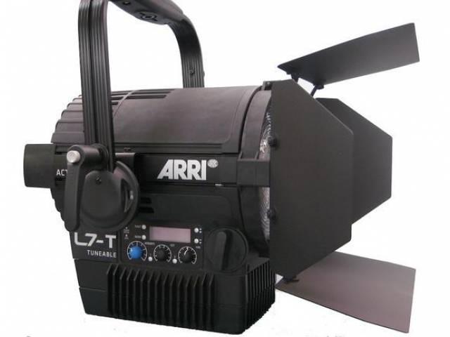 Светодиодный прожектор ARRI L7-TT Hybrid