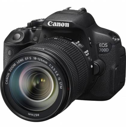 Canon EOS 700D EF-S 18-135 IS STM Kit